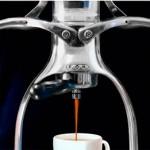 ROK Espresso Maker e o preparo manual do café