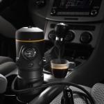 Máquina de café espresso que funciona no seu carro