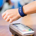 Bradesco e Visa anunciam pulseira que substitui cartão