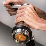 Designer tenta viabilizar cafeteira versátil com apelo ambiental